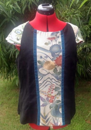 Linen singlet featuring Kimono silk panel and sleeves